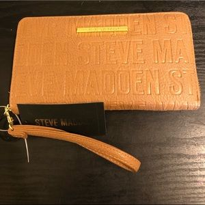 Steve Madden brown logo wallet